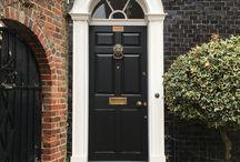 Door / Spotted
