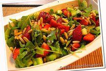 Salade de fraises roquette et pignons
