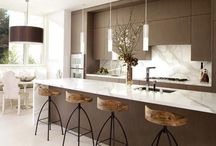 kitchen/dining furniture