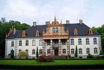 Siemianice (powiat kępiński) - Pałac / Pałac w Siemianicach (powiat kępiński)  wzniesiony w 1835 roku przez Piotra Szembeka. Pałac należy do Uniwersytetu Przyrodniczego w Poznaniu i znajduje się w nim Leśny Zakład Doświadczalny.
