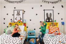 Geschwister Kinderzimmer / Nicht immer möchten Geschwister getrennte Zimmer haben. Damit jedes Kind trotzdem ein paar Ecken für sich hat, zeige ich euch schöne Kinderzimmer, die sich Geschwister teilen.