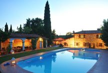 By the pool / If you love relaxing by your very own private swimming pool in Italy