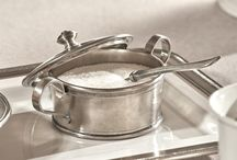 Sugar Bowls / Our pewter sugar bowls are naturally suited to accompanying tea or coffee, but you can also use them to serve snacks and savoury biscuits during aperitif time. The pewter sugar bowls in our collection give your table an air of elegance that only pewter can create: a mixture of simplicity and distinction which can rarely be found in sugar bowls made from other materials.