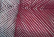 Shibori / Teñidos con amarras, pero también algunos teñidos naturales e impresiones con pigmentos, óxidos y otras cosillas...