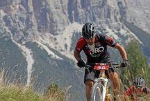 Ciclismo / Estoy dispuesto a ayudarte a mejorar tu rendimiento ofreciéndote un plan de entrenamiento diseñado en función de tu disponibilidad y de tus necesidades independientemente de la modalidad que practiques (carretera, montaña, ciclocross ...).