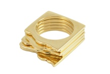 Disegno Fine Lines / Fine 18k gold jewellery available in yellow, white, rose, and green gold.