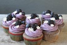 Mmmmmm...Cupcakes! / by Tiffany Case-Nelsen