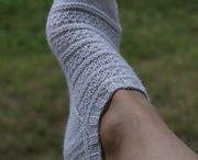Pantuflas y medias tejidas
