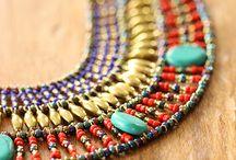 Vous avez dit doré ? / Halte à la grisaille ambiante, cette saison le doré s'invite partout ! Objets décoratifs, accessoires de mode, bijoux… On veut que ça brille, que ça claque. Et pour cela, rien de mieux que de distiller des touches d'or dans notre vie de tous les jours.