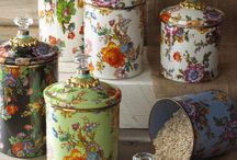 French Country Decorating / French country style decorating ideas, inspiration and products.
