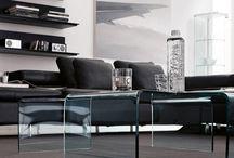Meubles en Verre Courbé / Une collection de meubles de qualité en verre courbé