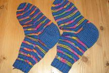 Strikkede sokker huer og vanter / hjemmestrik