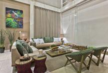 Casa de Ideias / A Ton Sur Ton promove a sétima edição da mostra anual que exibe as principais tendências na decoração, transformando os espaços em sofisticados ambientes residenciais.