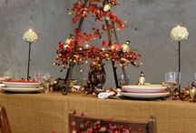Christmas tabletop decorating ideas / Christmas day revolves around a splendid feast, therefore, it is only fitting that your tabletop is decorated with a stunning centerpiece and place settings. To style up your dining room this festive season, we have put together a selection of original tabletop ideas in a range of colour schemes inspired by our Glitter & Glam, Country Woodland, Frosted Fantasy and Felt Fun themed decorations ranges. Your tabletop will rival the turkey as the star of the show!