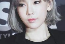 ATaeyeon ❀ / SM Entertainment • Stage Name:Taeyeon Birth Name:Kim Tae Yeon Position:Leader, Main Vocalist Birth Date:March 9, 1989 Zodiac sign:Pisces Birth Place:Jeonju, North Jeolla, South Korea Height:158cm (5'2″) ❣ Weight:45 kg (99 lbs) Blood Type:O