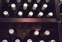 Winery / Έχουμε επιλέξει μόνο ελληνικές ποικιλίες, καθώς θεωρούμε οτι υπάρχουν πάρα πολλές καλές ποικιλίες από εξαιρετικούς παραγωγούς ώστε να καλύψουν όλα τα γούστα. Απολαυστε τα..
