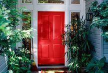 Dazzling Doorways / A collection of beautiful doors