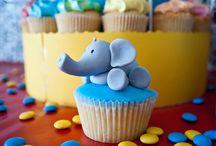 Cupcakes et gâteaux de fêtes / by Virginie Steib