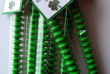 Holidays: St. Patrick's Day / St. Patrick's Day crafts, tutorials, recipes, decorations, and other DIY projects.  Also rainbow stuff.