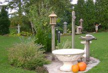 Bird Feeding Stations / DIY Bird Feeding Station Ideas for Backyard.