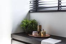 Design Badkamer / De optimale balans tussen uitstraling en functionaliteit is de design badkamer. De uitdaging van een nieuwbouwbadkamer is dat de beschikbare ruimte volledig naar eigen voorkeur kan worden ingedeeld en ingericht.