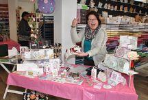 Workshop en demo op 28 februari 2015 / Op zaterdag 28 februari was er een inkleurworkshop van Raffaela Perego, Gretha Bakker, Joyce Martens en Angela van Dorp en werd er een demonstratie gegeven door Anita Izendoorn met de Chameleon markers.