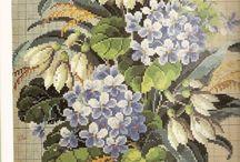hímzett virágok