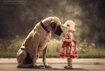 Lapsi ja iso koira