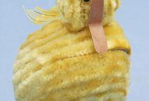 Gul / Yellow / Diverse gjenstander fra Vestfoldmuseene samlinger med gul farge