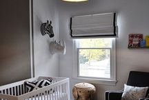 Black and White Modern Nursery Inspiration / The chic-est of chic nurseries are modern black and white. Perfect for baby girls or boys!