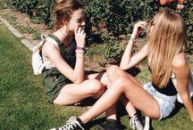 • m o m e n t s | friends •