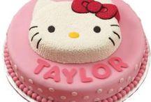 Birthday cakes / by Aislinn Mikami