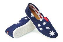Tomsy Smith's - buty gwiazd / Tomsy to wygodne i lekkie buty, idealne do codziennych stylizacji. Swoim wyglądem przypominają espadryle, jednak różnią się od nich przede wszystkim gumową, wytrzymałą podeszwą. www.smiths.pl