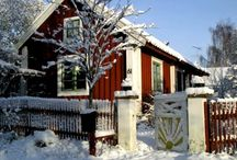 Pretty Houses -- Outside / SISTERS ANTIQUES