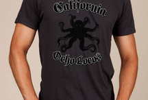 California Ocho Locos Awesome T-shirt / Introducing the California Crazy Eights, also known as the California Ocho Locos. Off the coast of the Golden State on the Pacific Ocean floor is an eight-legged creature that is truly fascinating. Most common is the California Two-Spot Octopus. In case you're ever asked to identify a Two-Spot, just point out... well, never mind, no one will ask you. We love this awesome t-shirt which is available at www.awesomesportslogos.com.  This octopus means business!