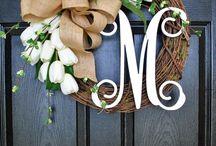 Wreaths / DIY Wreaths | How to Make Wreaths | Holiday Wreaths | Seasonal Wreaths | Wreath Ideas | Christmas Wreaths | Fall Wreaths | Spring Wreaths