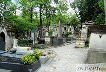 Cmentarz Pere Lachaise / Cmentarz Pere Lachaise oczarowuje grobowcami, które wyglądają jak prawdziwe perełki architektoniczne: http://zwiedzamyparyz.pl/zabytki-paryza/cmentarz-pere-lachaise