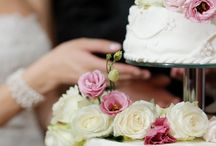 WEDDING CAKES / Many different types of wedding cakes available at Gamos Crete, Greece