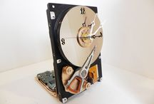 Hard Drive Clocks / These hard drive clocks have been upcycled from used laptop and desktop computer hard drives.