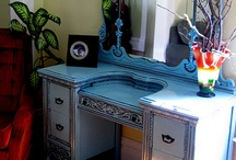Vintage dressing table / Painted finish