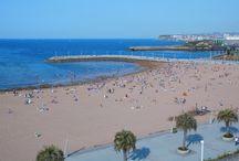 Playas de Gijón / Gijón vive de cara al mar, presente siempre en su geografía y en sus actividades. La naturaleza ha regalado al concejo numerosas playas a lo largo de toda su costa.  http://www.gijon.info/page/5218-playas / by Gijón Turismo