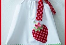Baby dress wit applique