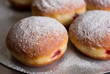 European Desserts / From rustic to elaborate, the desserts and sweets found across Europe are vast, varied and historical. Best of all, they are exquisitely delicious!