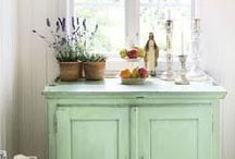 country homes · cottages / homes in the countryside · farmhouses · cottages · farm tables · rustic · natural materials