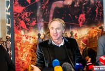 Dan Brown in Prague / The author of The Da Vinci Code, Dan Brown, has just been in Prague for what he described as a vacation. The multi-million selling writer, known for his love of symbols and legends, has set previous novels in other historical European cities.