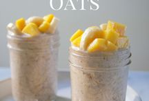 Breakfast: Oatmeal / Delicious breakfast recipes made with oats: overnight oats, oatmeal, made in a crockpot, baked, or in bars
