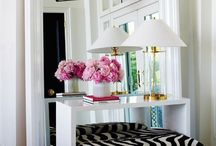HOME DECOR / coffee table styling, stairs, hallways and details of home decor
