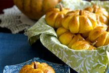 pumpkin shaped bread rolls