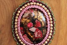 Beaded Jewellry / Excellent pieces of embroidered beaded jewellry that inspired me or that I've made.