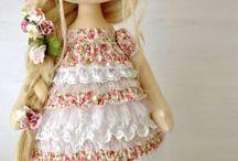 Muñecas, Dolls